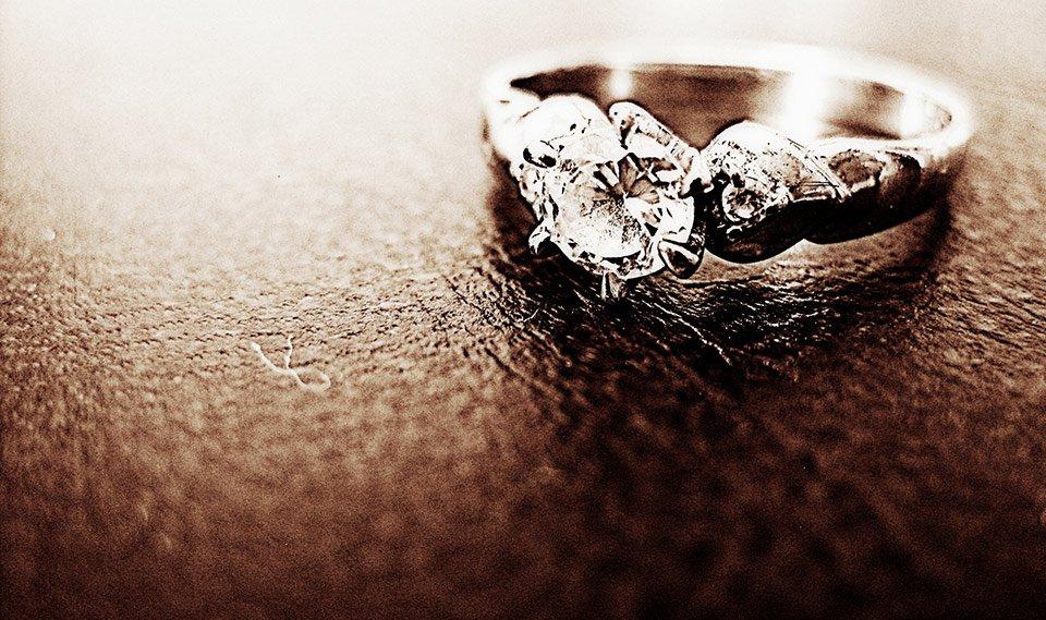 Recycle old jewellery - conflict-free diamonds