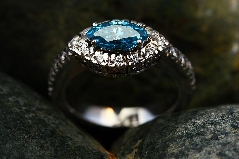 blue diamond dog ring
