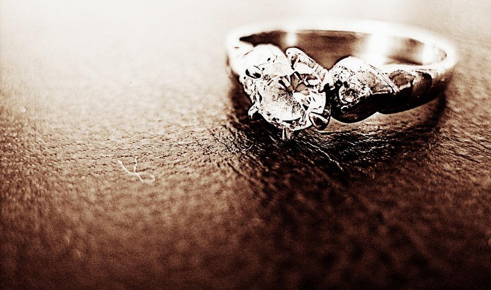 diamond ring dog ashes